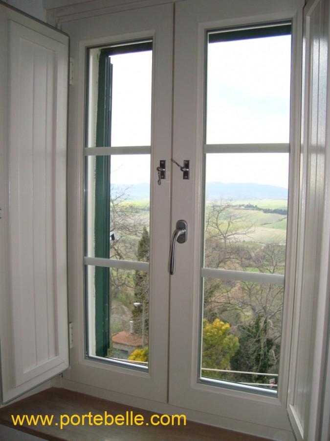 Immagine 13 13 finestre con scuretti - Finestre in pvc vendita on line ...